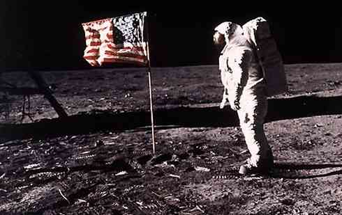 Apollo-11-Landing-on-the-moon-July-20-1969